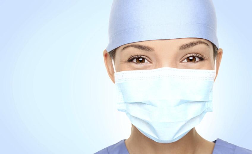 Cirujano de la Clínica Sergine Médica especializo en cirugía íntima